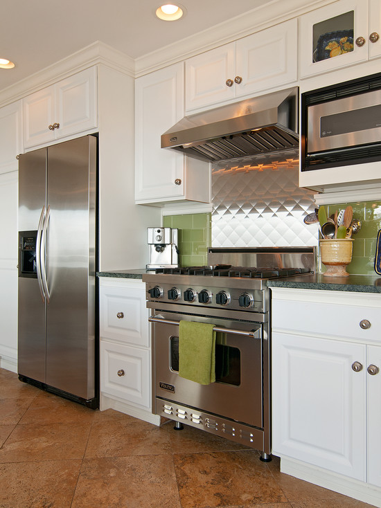 Modern Stainless Steel Backsplash In The Kitchen: Eclectic Kitchen Stainless Fridge And Oven With Stainless Steel Backsplash Green Tiles