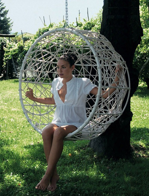 Rattan Outdoor Hanging Chairs Models That Can Be Put Outside or Inside: Enchanting Rattan Outdoor Hanging Chairs Provide Extremely Good Back Support And A Floating Sensation To Help You Unwind