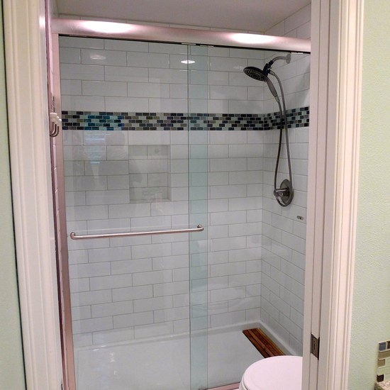 4×12 Subway Tile Designs: Exciting Shower With 4x12 Subway Tile And Glass Mosaic Accent Tile At Traditional Bathroom