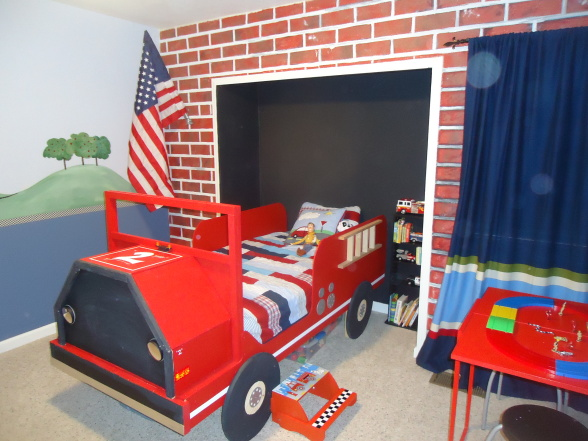 Wonderful Boys Room Design Ideas: Extraordinary Cozy Boys Bedroom With A Firetruck Bed With Break Red Wall With White Floor