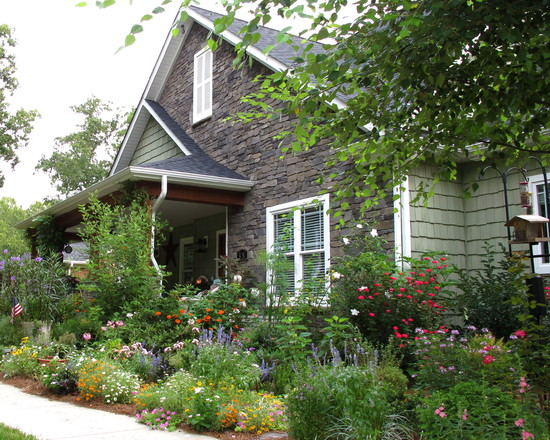 Greatest Cottage Garden Plants : Front Traditional Porch Cottage Garden In Front Of Fence And Sidewalk