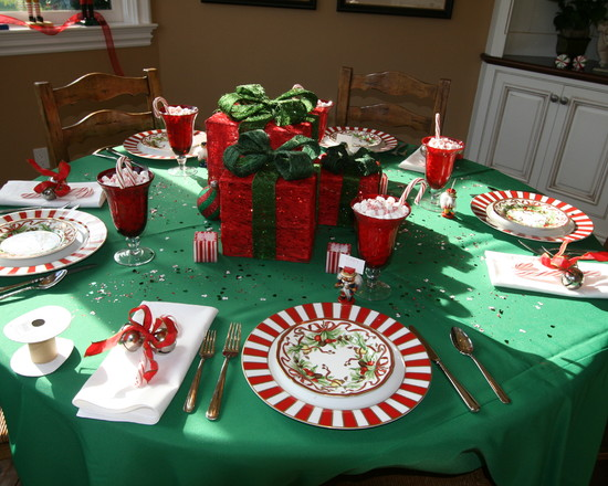 Creating Table Decorations For Birthdays Party : Glamorous Traditional Dining Room Table Decorations For Birthdays Presents As A Centerpiece Even For A Coffee Table At Christmastime You Can Never Go Wrong With The Traditional Colors Of Green And Red