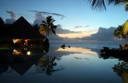 Most Spectacular Infinity Pools Design : Gorgeous Sea Side Infinity Pool Design At Night Lighting Ideas