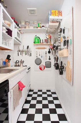 Small Kitchen Decoration With Minimal Clutter And Max Efficiency Space: Inspiring Designed Small Kitchen With Minimal Clutter And Max Efficiency Room With Pegboard Storage And Taller Mounted Cabinet And Pantry