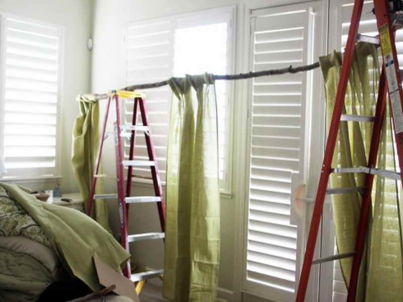 Window Treatment Ideas: DIY Unique Branch Curtain Rod Decoration: Inspiring DIY Branch Curtain Rod Installation