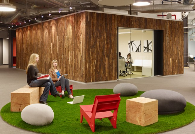 Unique Office Interior Design Ideas To Promote Working Mood: Inspiring Skype Office Interiors Board Room With Great Flooring Design Ideas And Green Round Carpet