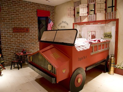 Wonderful Boys Room Design Ideas: Kid Bedroom Cool Firetruck Boys With Wooden Table With Red Break Wall1