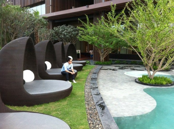 Astonishing Hotel with Great View: Landscaping Inspiration Chilling Inside A Sea Shell