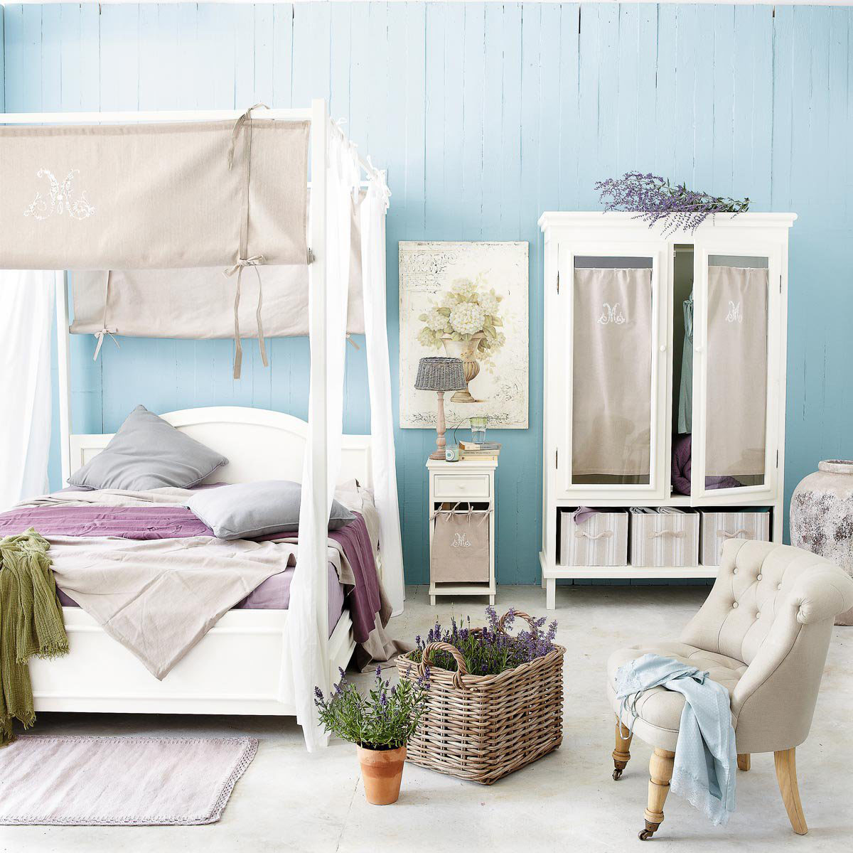 Flaunt Your Bedrooms with Decorative Canopy Beds (part-2): Light Caressed Modern Bedroom Where Blue Wooden Walls Are The Perfect Background For A White Canopy Bed And Different Shades Of Purple Merge In A Calming Effect