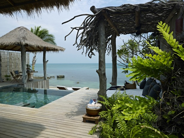 Song Saa : Private Remote Island Resorts In Cambodia: Lovely View Of Cool Ocean View Villa Deck Exterior Design With Infinity Pool Lounge And Nature Tree Trunk Sunbed Pavilion Roof Ideas ~ stevenwardhair.com Bed Ideas Inspiration