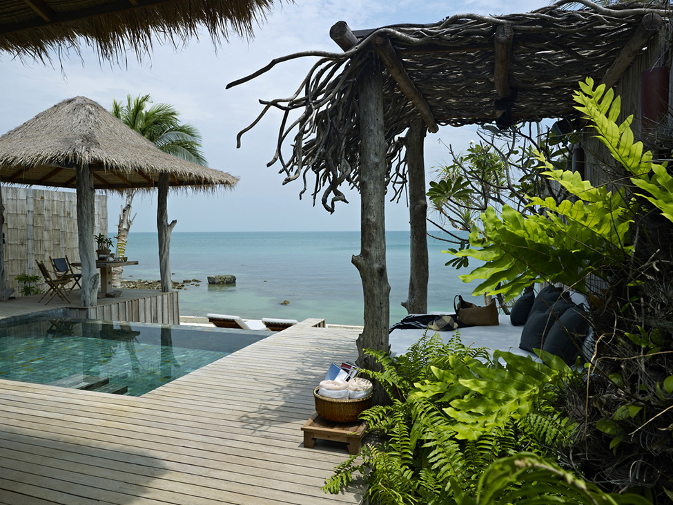 Song Saa : Private Remote Island Resorts In Cambodia: Lovely View Of Cool Ocean View Villa Deck Exterior Design With Infinity Pool Lounge And Nature Tree Trunk Sunbed Pavilion Roof Ideas