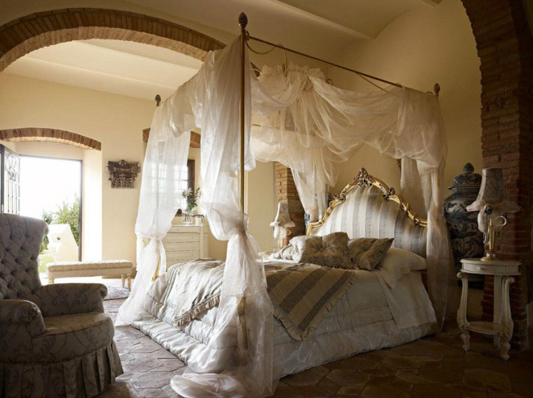 Flaunt Your Bedrooms with Decorative Canopy Beds (part-2): Luxury Bedroom Design With Soft But Sturdy Mattresses With Luxurious Bedsheets Under Breezy Canopies