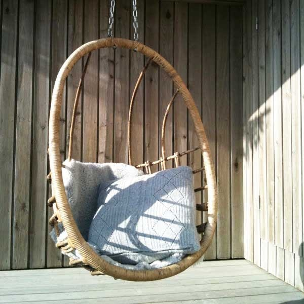 Rattan Outdoor Hanging Chairs Models That Can Be Put Outside or Inside: Marvelous Awesome Outdoor Hanging Chairs With Stylish And Comfortable Addition To The Inside Or Outside Of Any Home