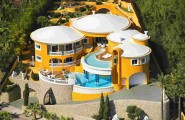 Splendid New Contemporary Italian Villa Near The Beach : Mesmerizing Villa Villa Colani Luftaufnahme Yellow House