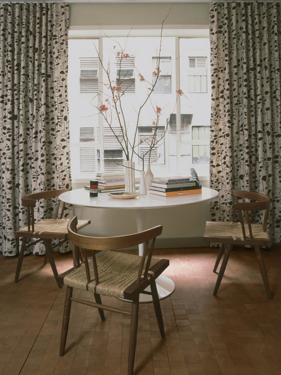 Excellent Sarineen Table For You Beautiful Home: Modern Dining Room Saarinen Table With The Rounded Top Chairs Tulip Table Plus Cute Rustic Chairs Paired With Floral Curtains