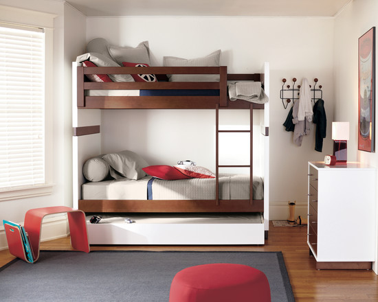 Design Your Own Bunk Bed : Modern Kids Moda Bunk Beds With A Pullout Mattress Underneath Stool Magazine Rack Big Pillows On The Less Used Bed