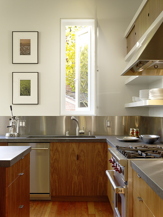 Modern Stainless Steel Backsplash In The Kitchen: Modern Kitchen Concrete With Stainless Steel Backsplash White Long Window And Wooden Drawers