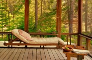 Perfect Sunroom Design Ideas To Relax While Enjoying A View : Natural Energies With Perfect Furniture Room Layout And Accent Pieces And Bringing In Beautiful Natural Light With Sunroom In A Holiday Hosue
