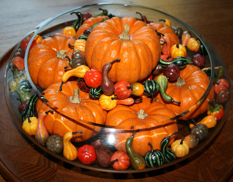 Table decoration for thanksgiving : Orange Pumpkin Arrangement Beautiful Thanksgiving Table Decorations Unique Clear Glass Bowl Wooden Tray