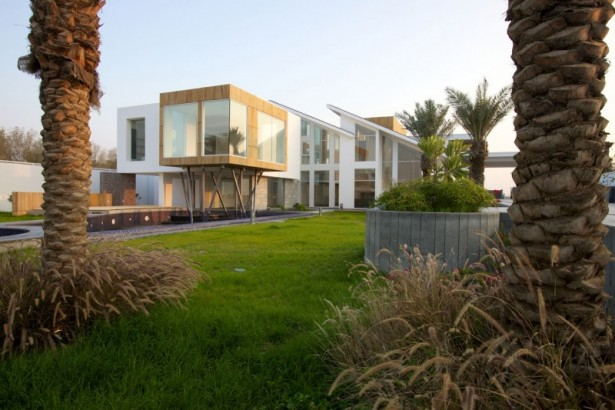 How to Create Your Dream Oasis in Hamala in the Form of Luscious Contemporary House: Outdoor Garden Outdoor Pool Large Glasses Wall Two Floors House Two Asymetric Sloping Roofs ~ stevenwardhair.com Unique Home Design Inspiration