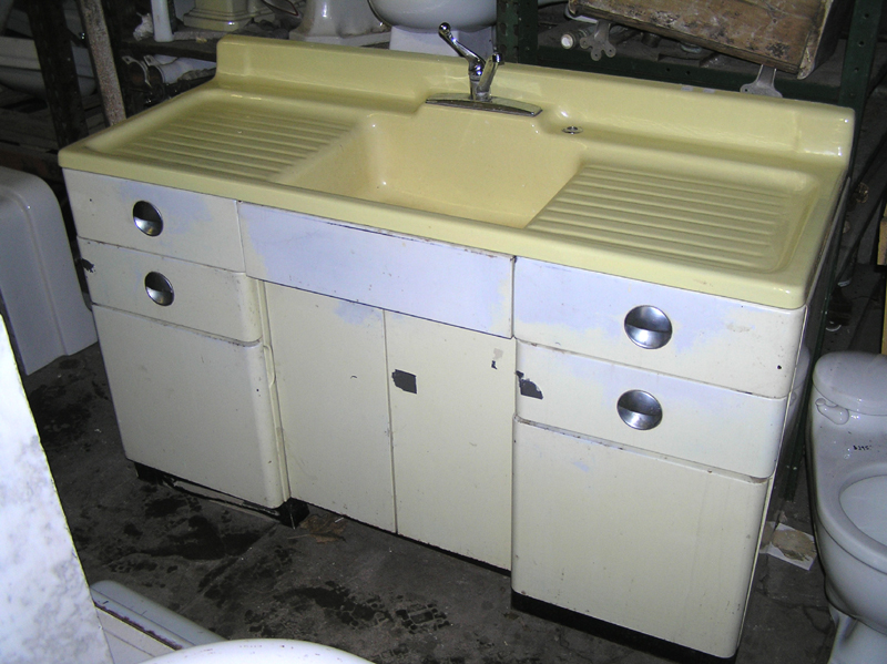 Classic Look Kitchen Sink Design For Kitchen Remodel : Outstandning Favorite Kitchen Sinks From Beautiful Designer Kitchens Featured Cool Cream Wastafel And Usual Chrome Facet Vintage Kitchen Sinks Model