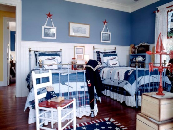 Teenage Cozy Modern Compact Bedroom: Patriotic Boys Bedroom Inspiration Simple Teenage Kids Bedroom With Parquet Combination Drawers And Blue Wall And Picture Hanging