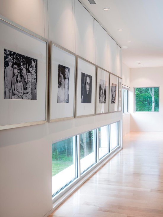 Awesome Wire Picture Hanging System: Picture Hanging System Down Upstairs Hallway Black And White Pictures In The Frames At Modern Hall