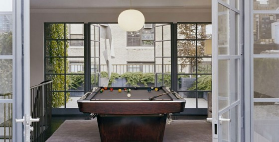 Impressive And Very Lovely Fresh Urban Gardens: Pool Table Leads With Simple Impressive Green Garden At Rooftop