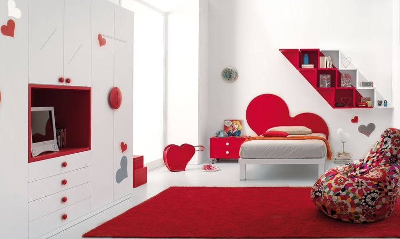 Heart Themed Girls Bedroom Decorating Ideas: Pretty Red And White Hearts Themed Girls Bedroom Decoration With Bookshelf Closet Bed Wall Decor Rug Ideas