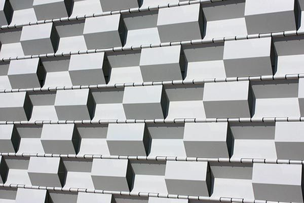 Self Sustainable House, Ikaros Solar Powered Residences: Self Sustainable House Ikaros 9 Zig Zag Facade Detail