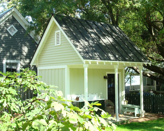 Oustanding Wood Shed Ideas: Shed With Overhang For Firewood Storage At Traditional Garage With Garden Shed For Backyard
