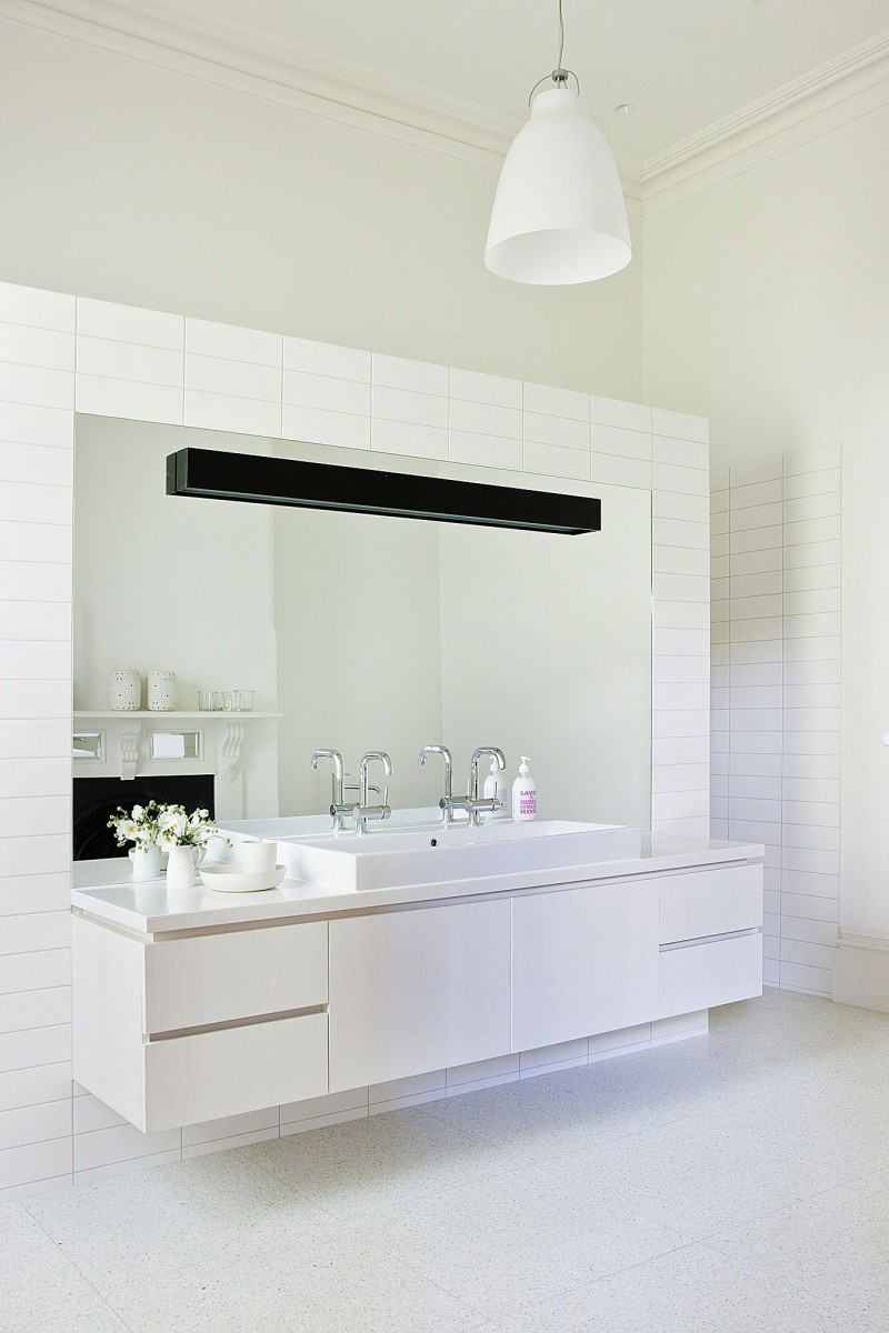 Small Modern and Minimalist Houses In Australia: Sleek Wide Mirror White Counters With Astonishing Marble Floor Design And White Sink Minimalist Chandelier