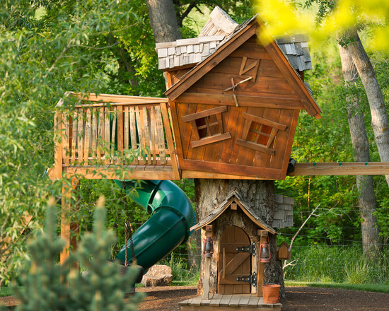 Design Your Own Garden Playhouses For Children: Spring Valley Eclectic Kids Playhouse In Center Of Childrens Garden