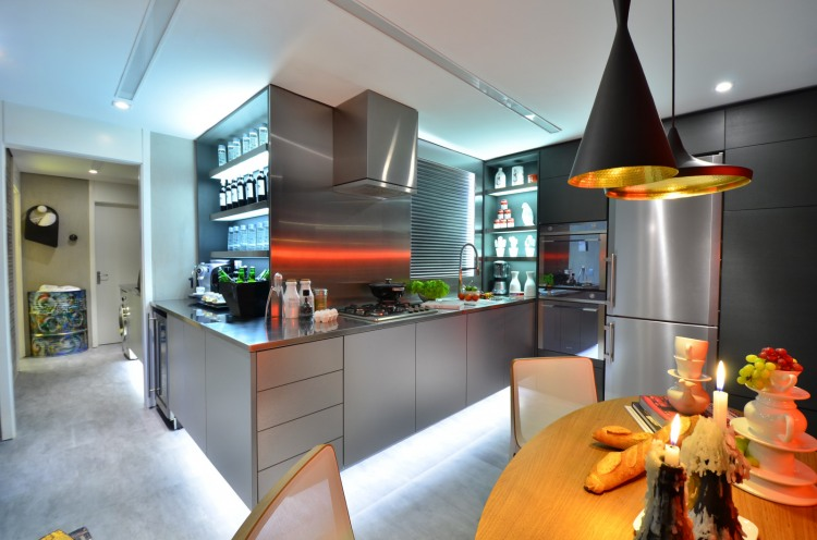 Urban Live-In Kitchen Concept: Stunning A Little Bit Eclectic Modern Urban Open Kitchen Interior Design With Good Lighting