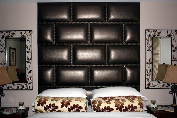 Awesome Padded Wall Panel Design As A Wall Decor Ideas: Stunning Bedroom Black Leather Padded Wall Panels Design With Bedside Table Lamp And Wall Decor Ideas