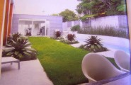 Outdoor Design Ideas: Beautiful Backyard Design For Your Home : Stunning Modern Backyard Landscaping Ideas With Middle Green Grass Accents