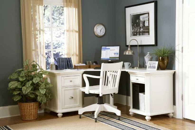 Office Space Organizing Is One Of The Keys To A Successful Business: Stunning Office Space Organizing Idea With White Organized Desk And Indoor Plants