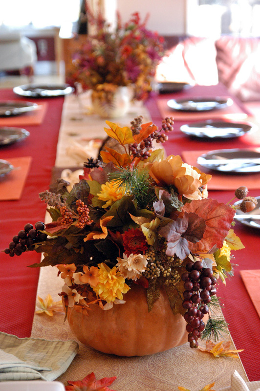 Table decoration for thanksgiving: Terrific Hallowen Decoration Beautiful Thanksgiving Table Decorations Center Piece Long Dinner Table Colourful Arrangement Autumn ~ stevenwardhair.com Design & Decorating Inspiration