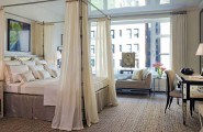 Flaunt Your Bedrooms with Decorative Canopy Beds (part-2) : This Apartment Is A Vivid Example Of How Canopy Beds Can Bring That Luscious Feeling Of Comfort High Above The Clouds Even In Dense Urban Areas