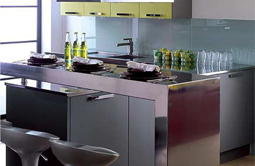 Modern Kitchen Designs for Small Spaces: Tiny Kitchen With A Steel Breakfast Bar1