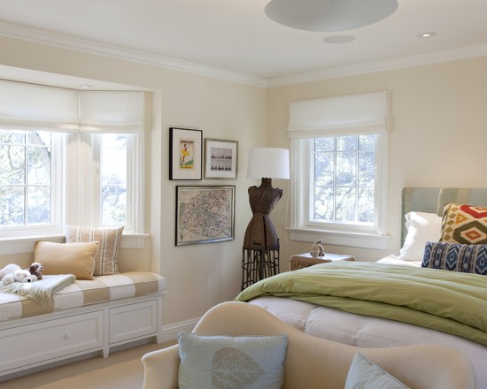 Room Decor With Insulated Roman Shades : Traditional Bedroom Pale Peach Guestroom With Soft Roman Shades Master Bed And Window Bay