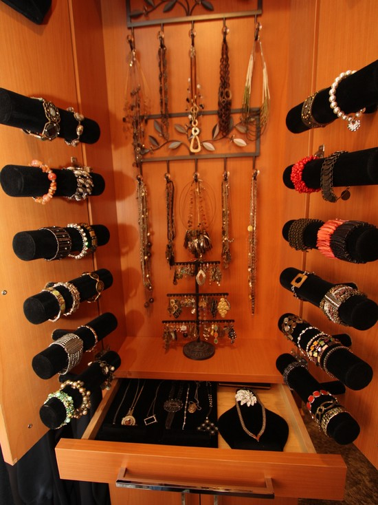 Interesting Bracelet Organizer Ideas: Traditional Closet Jewelry Bars For Bracelets ~ stevenwardhair.com Closets Inspiration