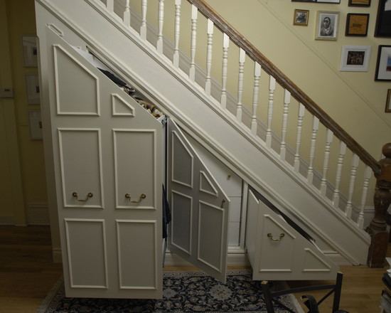 Awesome Understairs Shoe Storage Designs : Traditional Closet Use The Space Under The Main Staircase Opened Storage Compartments Storage Under Steps In Basement