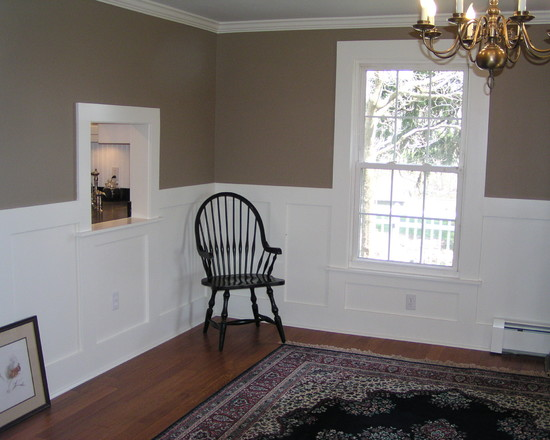 All Kinds Pictures of Dining Rooms With Wainscoting : Traditional Dining Room Contrasting Wall With White Wainscot Treatment Around Windows And Cubbies