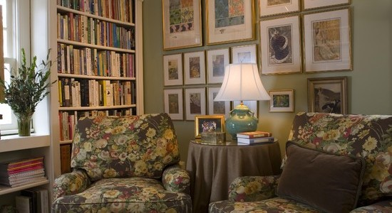 Variety Of Ways To Arranging Photos On A Wall : Traditional Family Room Chairs Stained Glass The Shelves Books The Wall And Trim Colors Collage Of Pictures On The Wall