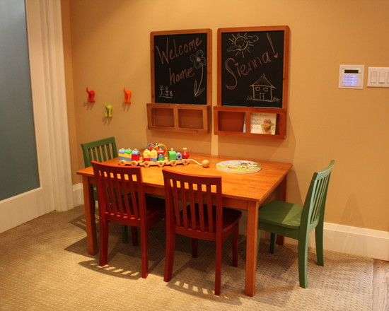 Exciting Kids Craft Table With Storage: Traditional Kids Room With Wooden Kids Craft Table With Storage And Chairs