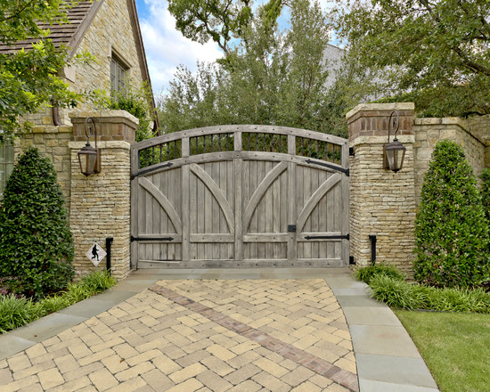 Excellent Solid Outdoor Wood Gates Designs : Traditional Landscape Swinging Outdoor Wood Gate Anchored On The Right Side Plus Lantern