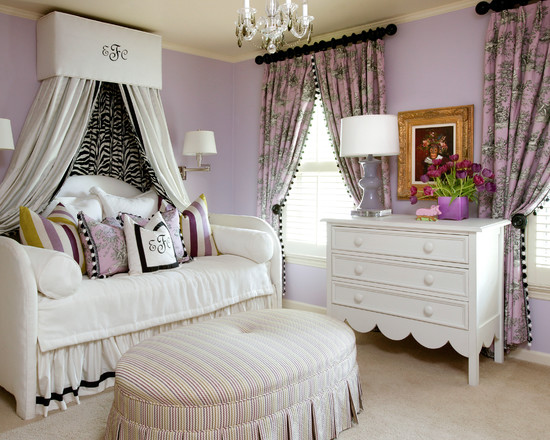 Beautiful Black White And Purple Colors Design: Traditional Lavender And Black Bedroom With Ilac And White Allows The Shapes And Patterns To Coexist Harmoniously ~ stevenwardhair.com Art Deco Home Design Inspiration