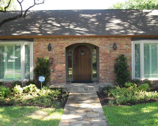 Apply Faux Copper Gutters: Traditional Porch Faux Copper Gutters Front Door Walkway And Bricks Wall