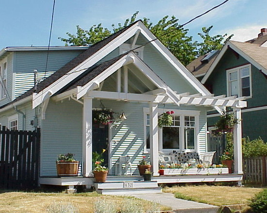 How To Design A Front Porch: Traditional Porch Idea Give The Front A Facelift And Create Some More Curb Appeal